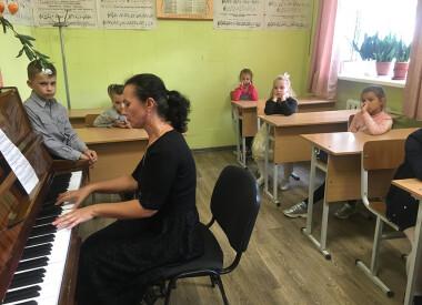Свято першокласника для учнів школи