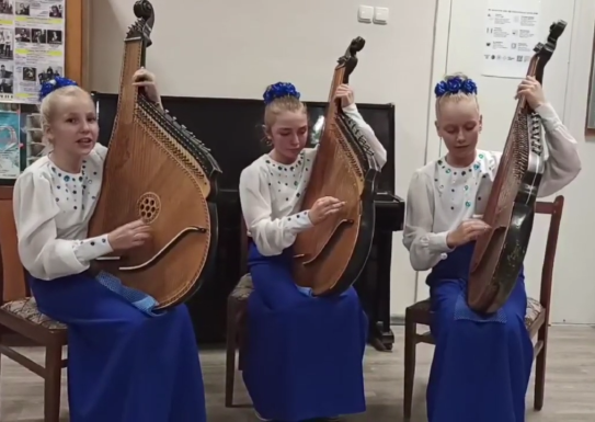 Народний відділ (струнно-щипкові інструменти) вітає усіх з Днем Козацтва