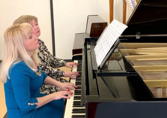 Фортепіанний дует Ірина Баганець та Юлія Будник Брамс Угорський танок N5