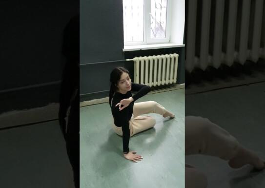 Майстер-клас із сучасний хореографії викладач Анна Дмітрієва