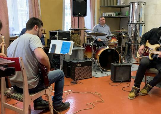 """Live Sound Cover """" Spain"""" викладачі естрадного відділу"""