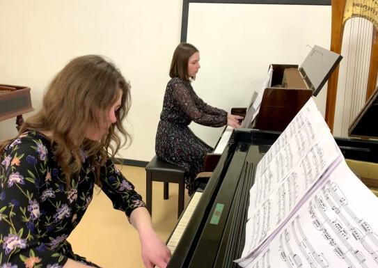 """A. Piazzolla """"Adios Nonino"""" виконує фортепіанний дует викладачів  Чепіль Влерія, Сліпченер Дар'я."""